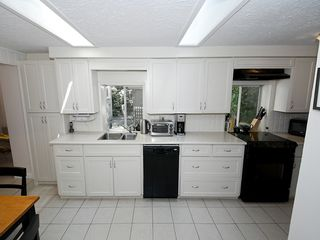 "Photo 5: 5923 WHITCOMB Place in Tsawwassen: Beach Grove House for sale in ""BEACH GROVE"" : MLS®# V1068503"