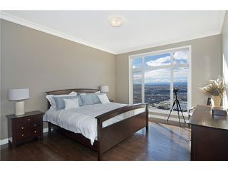 Photo 9: 190 GLENEAGLES ESTATES Lane: Cochrane House for sale : MLS®# C3644568