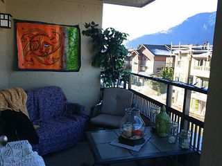"""Photo 3: 211 1211 VILLAGE GREEN Way in Squamish: Downtown SQ Condo for sale in """"ROCKCLIFFE"""" : MLS®# V1097471"""