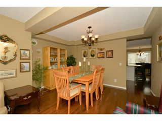 Photo 7: 536 DOUGLAS GLEN Point(e) SE in Calgary: Douglasglen House for sale : MLS®# C4002246