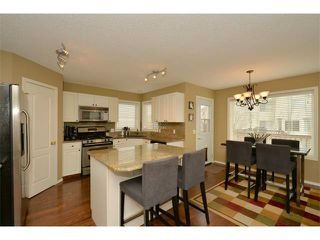 Photo 9: 536 DOUGLAS GLEN Point(e) SE in Calgary: Douglasglen House for sale : MLS®# C4002246