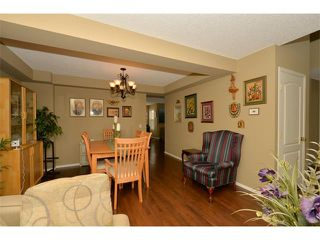 Photo 8: 536 DOUGLAS GLEN Point(e) SE in Calgary: Douglasglen House for sale : MLS®# C4002246