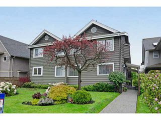 Photo 1: 327 E 11TH Street in North Vancouver: Central Lonsdale 1/2 Duplex for sale : MLS®# V1119339