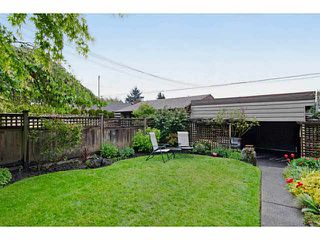 Photo 18: 327 E 11TH Street in North Vancouver: Central Lonsdale House 1/2 Duplex for sale : MLS®# V1119339