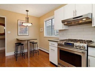Photo 3: 327 E 11TH Street in North Vancouver: Central Lonsdale House 1/2 Duplex for sale : MLS®# V1119339
