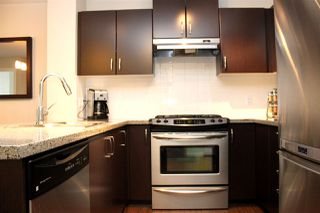 "Photo 5: 519 3132 DAYANEE SPRINGS Boulevard in Coquitlam: Westwood Plateau Condo for sale in ""LEDGEVIEW"" : MLS®# R2038972"