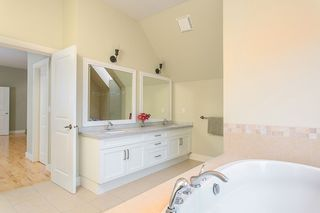 "Photo 10: 148 STONEGATE Drive in West Vancouver: Furry Creek House for sale in ""FURRY CREEK"" : MLS®# R2045429"