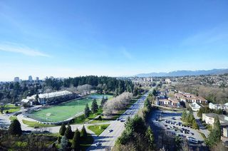 "Photo 18: 2706 280 ROSS Drive in New Westminster: Fraserview NW Condo for sale in ""CARLYLE"" : MLS®# R2082158"
