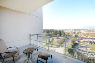 "Photo 19: 2706 280 ROSS Drive in New Westminster: Fraserview NW Condo for sale in ""CARLYLE"" : MLS®# R2082158"