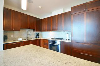 "Photo 6: 2706 280 ROSS Drive in New Westminster: Fraserview NW Condo for sale in ""CARLYLE"" : MLS®# R2082158"