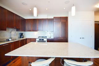 "Photo 14: 2706 280 ROSS Drive in New Westminster: Fraserview NW Condo for sale in ""CARLYLE"" : MLS®# R2082158"