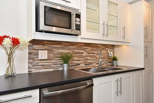 Photo 3: 104 350 E 5TH Avenue in Vancouver: Mount Pleasant VE Condo for sale (Vancouver East)  : MLS®# R2082309