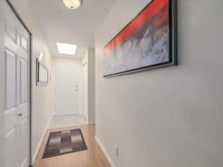 "Photo 38: 433 2980 PRINCESS Crescent in Coquitlam: Canyon Springs Condo for sale in ""Montclaire"" : MLS®# R2101086"