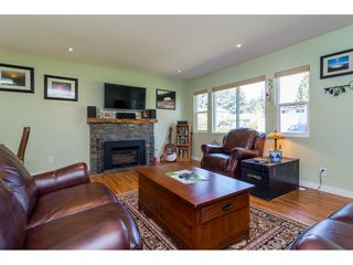"Photo 6: 10125 HELEN Drive in Surrey: Cedar Hills House for sale in ""ST HELENS"" (North Surrey)  : MLS®# R2112637"