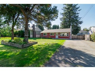 "Photo 3: 10125 HELEN Drive in Surrey: Cedar Hills House for sale in ""ST HELENS"" (North Surrey)  : MLS®# R2112637"