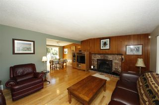 Photo 2: 1828 CEDAR Drive in Squamish: Valleycliffe House for sale : MLS®# R2113673