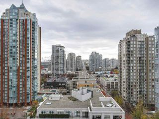"Photo 11: 1606 989 RICHARDS Street in Vancouver: Downtown VW Condo for sale in ""MONDRIAN I"" (Vancouver West)  : MLS®# R2122201"