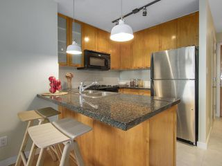 "Photo 3: 1606 989 RICHARDS Street in Vancouver: Downtown VW Condo for sale in ""MONDRIAN I"" (Vancouver West)  : MLS®# R2122201"