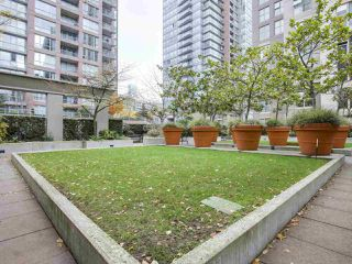 "Photo 14: 1606 989 RICHARDS Street in Vancouver: Downtown VW Condo for sale in ""MONDRIAN I"" (Vancouver West)  : MLS®# R2122201"