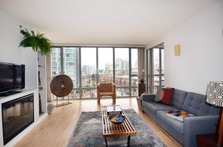 "Photo 3: 604 950 CAMBIE Street in Vancouver: Yaletown Condo for sale in ""LANDMARK"" (Vancouver West)  : MLS®# R2134984"
