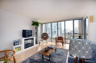 "Photo 9: 604 950 CAMBIE Street in Vancouver: Yaletown Condo for sale in ""LANDMARK"" (Vancouver West)  : MLS®# R2134984"