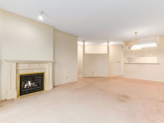 """Photo 4: 501 121 W 29TH Street in North Vancouver: Upper Lonsdale Condo for sale in """"Somerset Green"""" : MLS®# R2145670"""