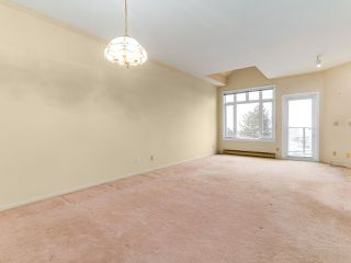 "Photo 5: 501 121 W 29TH Street in North Vancouver: Upper Lonsdale Condo for sale in ""Somerset Green"" : MLS®# R2145670"