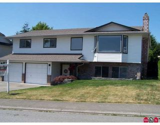 Photo 1: 3081 GOLDFINCH Street in Abbotsford: Home for sale : MLS®# F2915878
