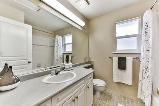 """Photo 8: 8683 207 Street in Langley: Walnut Grove House for sale in """"DISCOVERY TOWNE"""" : MLS®# R2178998"""