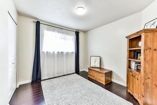 """Photo 5: 8683 207 Street in Langley: Walnut Grove House for sale in """"DISCOVERY TOWNE"""" : MLS®# R2178998"""