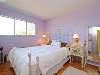 Photo 8: 30 Hartland Avenue in VICTORIA: SW West Saanich Single Family Detached for sale (Saanich West)  : MLS®# 379954