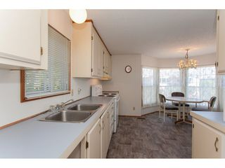 """Photo 10: 46 15875 20 Avenue in Surrey: King George Corridor Manufactured Home for sale in """"SEA RIDGE BAYS"""" (South Surrey White Rock)  : MLS®# R2192542"""