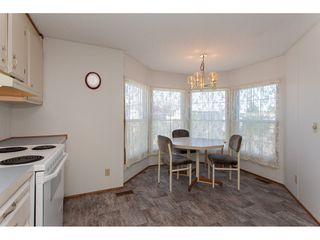 """Photo 11: 46 15875 20 Avenue in Surrey: King George Corridor Manufactured Home for sale in """"SEA RIDGE BAYS"""" (South Surrey White Rock)  : MLS®# R2192542"""