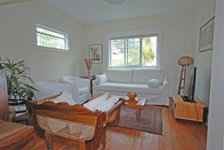 Photo 8: 1921 LAKEWOOD Drive in Vancouver: Grandview VE House for sale (Vancouver East)  : MLS®# R2195198