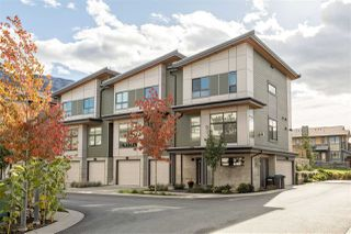 "Photo 1: 1157 NATURES Gate in Squamish: Downtown SQ Townhouse for sale in ""EAGLEWIND"" : MLS®# R2215271"