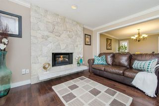 "Photo 2: 1008 CORONA Crescent in Coquitlam: Chineside House for sale in ""Chineside"" : MLS®# R2239554"