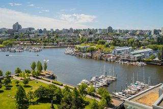 "Photo 2: 1702 638 BEACH Crescent in Vancouver: Yaletown Condo for sale in ""ICON"" (Vancouver West)  : MLS®# R2274580"