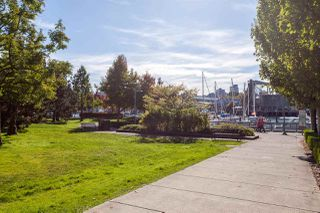 "Photo 17: 1702 638 BEACH Crescent in Vancouver: Yaletown Condo for sale in ""ICON"" (Vancouver West)  : MLS®# R2274580"