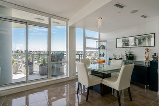"Photo 9: 1702 638 BEACH Crescent in Vancouver: Yaletown Condo for sale in ""ICON"" (Vancouver West)  : MLS®# R2274580"