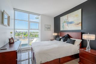 "Photo 10: 1702 638 BEACH Crescent in Vancouver: Yaletown Condo for sale in ""ICON"" (Vancouver West)  : MLS®# R2274580"