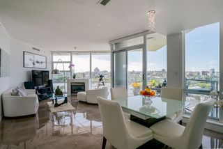"Photo 6: 1702 638 BEACH Crescent in Vancouver: Yaletown Condo for sale in ""ICON"" (Vancouver West)  : MLS®# R2274580"