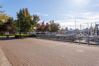 "Photo 18: 1702 638 BEACH Crescent in Vancouver: Yaletown Condo for sale in ""ICON"" (Vancouver West)  : MLS®# R2274580"