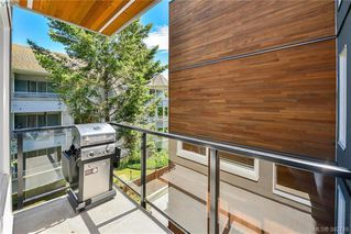 Photo 2: 304 300 Michigan St in VICTORIA: Vi James Bay Condo for sale (Victoria)  : MLS®# 789364