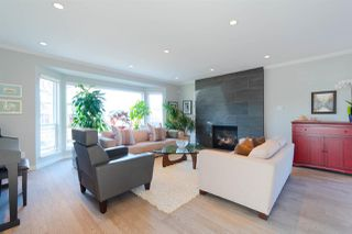 Photo 1: 348 W 21ST Street in North Vancouver: Central Lonsdale House for sale : MLS®# R2326492