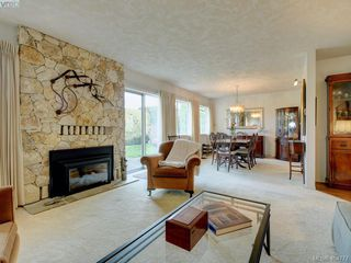 Photo 8: 997 Scottswood Close in VICTORIA: SE Broadmead Single Family Detached for sale (Saanich East)  : MLS®# 804307