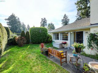 Photo 18: 997 Scottswood Close in VICTORIA: SE Broadmead Single Family Detached for sale (Saanich East)  : MLS®# 804307