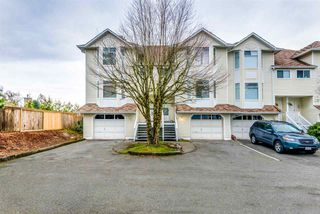"Photo 1: 17 15550 89 Avenue in Surrey: Fleetwood Tynehead Townhouse for sale in ""BARKERVILLE"" : MLS®# R2335848"