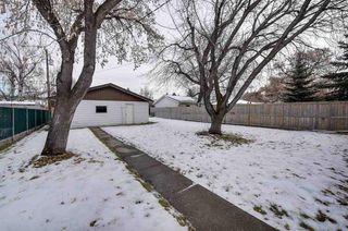 Photo 2: 10425 163 Street in Edmonton: Zone 21 House for sale : MLS®# E4145689