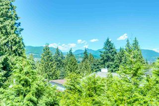 Photo 19: 936 FRESNO Place in Coquitlam: Harbour Place House for sale : MLS®# R2347848