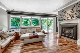 Photo 3: 936 FRESNO Place in Coquitlam: Harbour Place House for sale : MLS®# R2347848